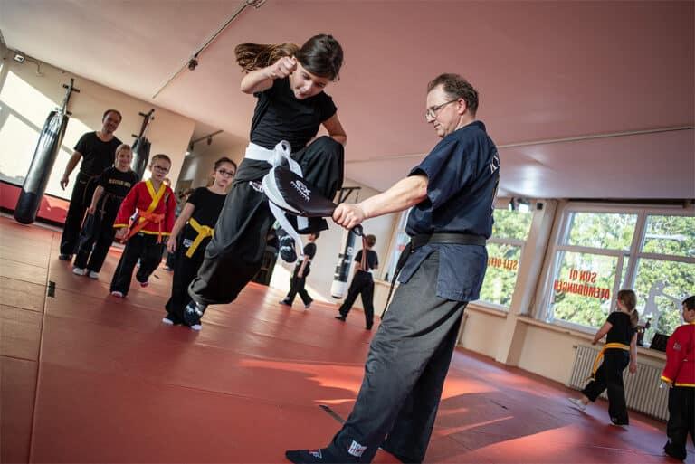 Kampfsport In Unna - Sprungkick